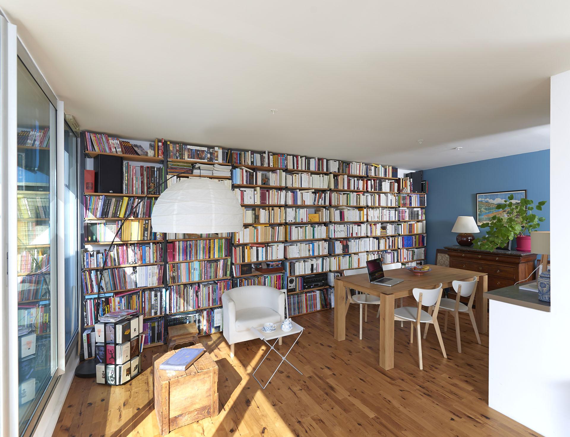 rénovation d'un appartement et bilbiothèque